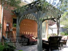 Free standing pergola with Canyon Gray stain and Roosevelt Step profile.