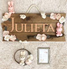 Letrero para Hospital y cuarto del bebe 🐰 - Temática   conejos  crochet -  Gama  Salmón  palo de rosa  blanco - Acabado  Nogal  baaldesajno ... bf407d0dd2d7