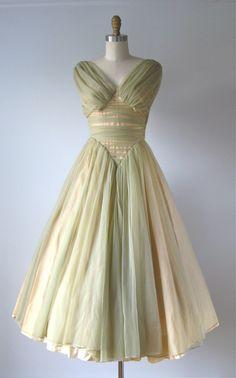 vintage 1950s dress / 50s dress / Cabbage Roses