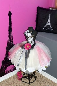 think I'm going to do something like this for my babys new Paris room