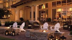 Escape to The Ritz-Carlton Golf Resort, Naples, which features one of Florida's premier golf clubs, family-friendly resort experiences and luxury amenities. Future House, My House, Family Friendly Resorts, Naples Florida, Hotel Deals, Outdoor Spaces, Outdoor Gardens, Sweet Home, Table Decorations