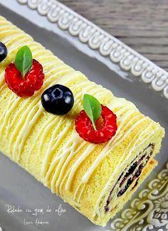 Rulada cu gem de afine – reteta video Something Sweet, Nutella, 4th Of July, Food And Drink, Sweets, Breakfast, Ethnic Recipes, Gem, Desserts