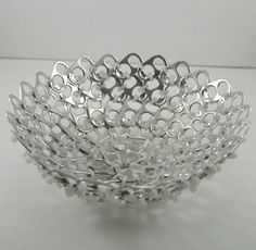 Creative recycling with can tabs. Today for you we have selected 20 creative ideas to recycle can tabs. Soda Tab Crafts, Can Tab Crafts, Tie Crafts, Pop Top Crafts, Pop Can Tabs, Soda Tabs, Aluminum Cans, Pop Cans, Metal Crafts
