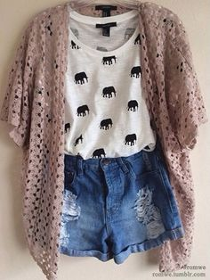 elephant shirt is a must Tween Fashion, Teen Fashion Outfits, Casual Outfits, Womens Fashion, Casual Shorts, Fashion 2015, Fall Fashion, Dress Fashion, Hipster Fashion