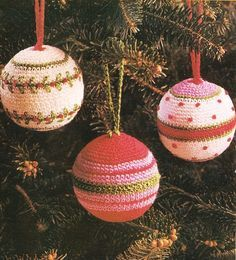 Free Christmas Crochet Patterns we love these-so pretty- but you could use more tradtional Christmas colours too Crochet Christmas Decorations, Christmas Crochet Patterns, Crochet Decoration, Crochet Ornaments, Holiday Crochet, Christmas Knitting, Xmas Ornaments, Christmas Baubles, Christmas Tree