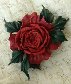 """Купить Брошь из натуральной кожи """"Кармен"""" - брошь, брошь роза, брошь из кожи, красная роза"""