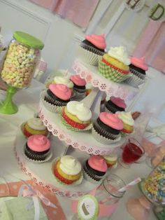 One Thrifty Chick: Vintage Cupcake Birthday Party