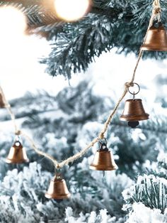 Crafted from strong jute string and festooned with miniature copper bells, our Jingle Bell Garland is an opulent update on a classic Christmas decorations. Display this decorative copper garland over your mantelpiece, in your tree or around your bannister for a sweet festive display.