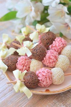 Para começar uma semana doce! #WeddingInspiration. Já viu nossas dicas no blog? www.mercedesalzueta.com