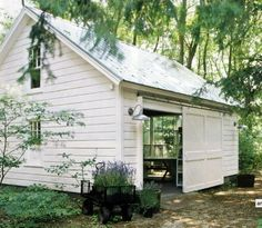 Potting shed. I have a Green House.wondering if Jim would buld me a Potting shed. Outdoor Spaces, Outdoor Living, Outdoor Art, Outdoor Play, Indoor Outdoor, Patio Interior, White Barn, Carriage House, My New Room