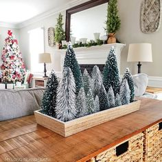 Rustic Christmas decorations are one such comfortable feel decoration that reminds us about the festive that is soon approaching and also promotes the warmth of the rooms. Here are some ideas promoting the rustic feel in the festive and holiday season. Christmas Time Is Here, Merry Little Christmas, Noel Christmas, Rustic Christmas, Winter Christmas, All Things Christmas, Christmas Crafts, Farmhouse Christmas Decor, Farmhouse Decor