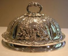 ORNATE ENGLISH VICTORIAN MEAT OR FOOD COVER / DOME - SILVER PLATED