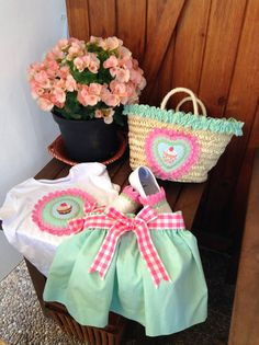 cuando-se-puede: Conjunto para la piscina Cute Outfits For Kids, Cute Kids, Diy And Crafts, Arts And Crafts, Art N Craft, Cute Tshirts, Quilting, Baby Sewing, Sweet Girls