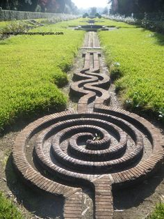 Another spiral in Moratalla's Gardens (Córdoba) @janjohnsen23 @NatureSacred @mnarboretum @NYBGAdultEd
