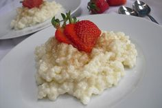Der perfekte Milchreis – Grundrezept The perfect rice pudding – basic recipe, a great recipe from the category dessert. Ratings: Average: Ø Camping Food Make Ahead, Camping Desserts, Camping Meals, Van Camping, Camping Hacks, Baby Food Recipes, Great Recipes, Dutch Oven Recipes, My Best Recipe