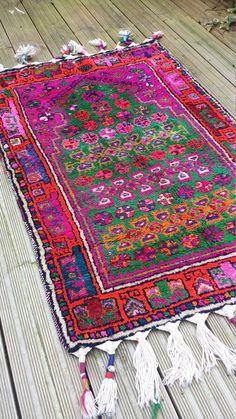 "Vintage Angora wool Rug ""Bosnia"" Size: 2'8'' wide x 4'1'' long (82 cm X 126 cm)"