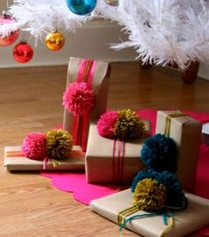 UnderWorld magazine has compiled a list of creative gift wrapping ideas for your Christmas presents. Christmas Gift Wrapping, Diy Christmas Gifts, Holiday Gifts, Christmas Bows, Santa Gifts, Family Holiday, Handmade Christmas, Merry Christmas, Creative Gift Wrapping