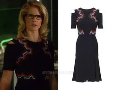 "Felicity wears Roland Mouret in 5x08 ""Invasion!"""