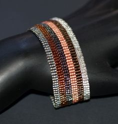 Neopolitan industrielle... Bracelet manchette. Métallique. Rayure. Peyotl. Facilement. Moderne. Élégant. Simple. Unisexe