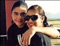 32 pics that prove Selena Quintanilla and Chris Perez were totally Selena Quintanilla Perez, Best Party Songs, Selena Pictures, Ritchie Valens, Jackson, Young And Beautiful, Beautiful Pictures, Celebs, Celebrities