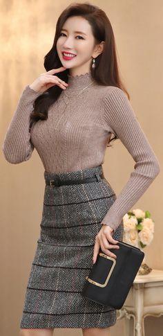 StyleOnme_Herringbone Print Belted H-Line Skirt #check #herringbone #pencilskirt #feminine #koreanfashion #kstyle #kfashion #falltrend #seoul