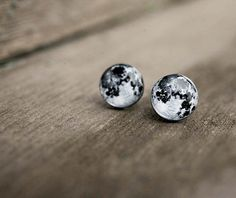 Hey, I found this really awesome Etsy listing at https://www.etsy.com/listing/234774616/moon-stud-earring-stud-earrings-moon