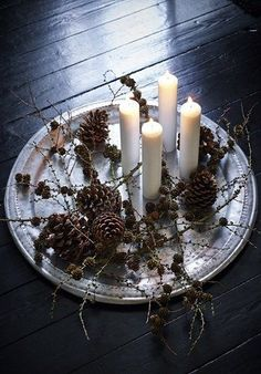 Make last minute advent wreath yourself: We have the solution! - make long white candles branches pine cones serving plate advent wreath yourself - Scandinavian Christmas Decorations, Beautiful Christmas Decorations, Nordic Christmas, Noel Christmas, Xmas Decorations, Simple Christmas, Winter Christmas, Christmas Wreaths, Christmas Crafts