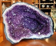 The first time I saw an amethyst geode I thought it was the most beautiful gemstone I had ever laid my eyes on. Where does it fit in your impression? Speaking of Amethyst, The Birthst…