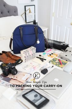 3 simple tips for packing your carry-on malas de viagem, baga Voyage Usa, Voyage Europe, Packing Tips For Travel, Travel Essentials, Packing Lists, Travelling Tips, Smart Packing, Backpack Essentials, Europe Packing