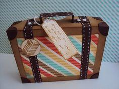 Ellen Hamhuis: Koffertje Cardboard Suitcase, Cardboard Art, Recycled Crafts, Diy And Crafts, Paper Crafts, Newspaper Basket, Poster Design, Travel Cards, Valentine Box