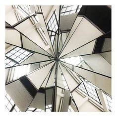 Join Dia on Saturday, September 13 at 2 pm for our upcoming Gallery Talk: Rory O'Dea on Robert Smithson. Free with museum admission. For more information on Gallery Talks visit http://diaart.org/programs/main/8.    Robert Smithson, 'Four-Sided Vortex', 1965/1967. Stainless steel and mirror. 35 1/2 x 28 x 28 inches. Dia Art Foundation. Currently on view at Dia:Beacon, Beacon, New York.
