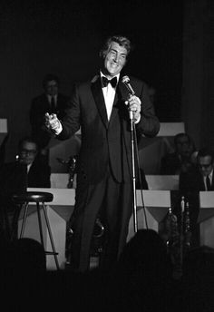 Dean Martin - I was born in the wrong time - oh to have seen him perform