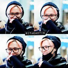 #shinee #taemin 151106 Incheon Airport to Japan #airportfashion Smiling Pink Taebaby <3
