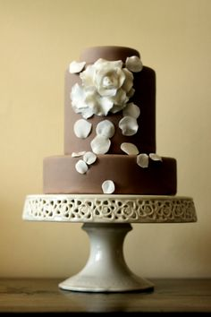 deviated cake tiers