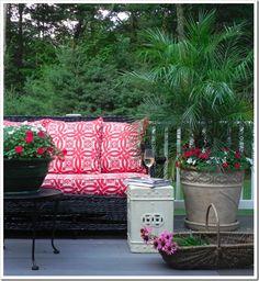 ideas for outdoor patio cushions color schemes black white Outdoor Rooms, Outdoor Gardens, Outdoor Living, Outdoor Furniture Sets, Outdoor Decor, Outdoor Ideas, Outdoor Seating, Tree Planters, Patio Flooring