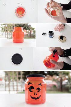 #tutorial: lanterne di #Halloween con vasetti riciclati. #lanterns #craft #diy #halloween #ideas #recycle