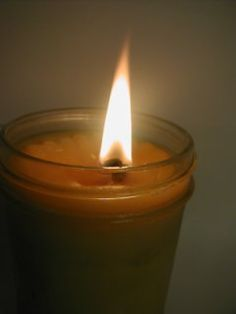 Like Bacon for Candles. For the lovers of bacon everywhere, I offer you…ideal mood lighting. Clean, efficient, and kitchen grease. Homemade Candles, Diy Candles, Candle Jars, Make Your Own Clay, How To Make, Bacon Soap, Cooking Oil, Home Made Soap, Oil Lamps