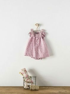 Top Old Fashioned Boy Names Little Girl Fashion, Toddler Fashion, Frocks For Girls, Girls Dresses, Old Fashioned Boy Names, Kids Fashion Photography, Girl Dress Patterns, Cute Baby Clothes, Baby Wearing