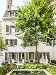125 East 70th Street, Bunny Mellon townhouse.11,000 square feet. Asking $46 million. rear garden view