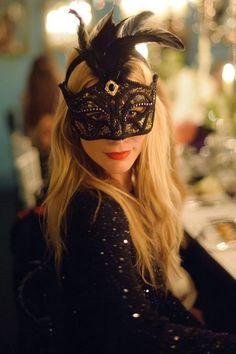 Poppy mask
