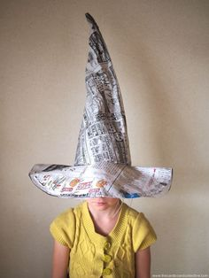 Newspaper and Cardboard Witch Hat This is the most typical Halloween element, even if they don't want to dress up, a simple hat will add that spooky touch they need! Some newspapers and cardboard and, HOCUS POCUS! a wonderful witch hat appears for you! Halloween Mono, Halloween Witch Hat, Cute Halloween Costumes, Halloween Kids, Diy Costumes, Witch Hats, Diy Witch Hat, Halloween Artwork, Halloween Arts And Crafts