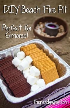 Beach Fire Pit For roasting s'mores'!DIY Beach Fire Pit For roasting s'mores'! Bbq Party, Luau Party, Bbq Food Ideas Party, Cookout Food, Beach Party Foods, Beach Party Desserts, Pinic Food Ideas, Kids Beach Party, Beach Party Games