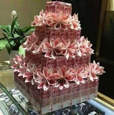 On The Net Landscape Design And Style - The New On-line Tool That Designers Are Flocking To For Landscape Designs Money Cake - Money Birthday Cake, Money Cake, Money Lei, Money Origami, Handmade Wedding Gifts, Wedding Gifts For Guests, Money Creation, Diy Gifts, Craft Gifts