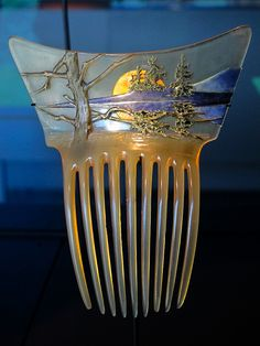 'Landscape with Setting Sun' hair comb by René Lalique. Hair Jewelry, Jewelry Art, Vintage Jewelry, Jewelry Design, Jewellery, Wedding Jewelry, Bijoux Art Nouveau, Art Nouveau Jewelry, Lalique Jewelry