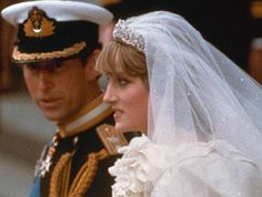 It has been almost 30 years since Britain's Prince Charles married Lady Diana Spencer. But plans of a new royal wedding brings memories from the last one. Princess Diana Wedding Dress, Princess Diana Photos, Charles And Diana Wedding, Prince Charles And Diana, Windsor, Lady Diana Spencer, Prince And Princess, Princess Of Wales, Real Princess