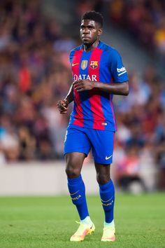 Samuel Umtiti of FC Barcelona looks on during the Joan Gamper trophy match between FC Barcelona and UC Sampdoria at Camp Nou on August 10, 2016 in Barcelona, Catalonia.