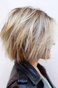 Choppy-Bob-Hair New Short Layered Hairstyles 2018 frisuren frauen frisuren männer hair hair styles hair women Short Hairstyles For Thick Hair, Layered Bob Hairstyles, Curly Hair Styles, Choppy Hairstyles, Choppy Bob Haircuts, Haircut Bob, Haircut Short, Thick Hair Bob Haircut, Bob Hairstyles 2018