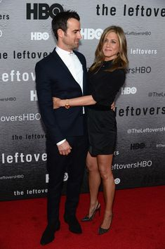 Jennifer Aniston Photos - Actors Justin Theroux and Jennifer Aniston attend 'The Leftovers' premiere at NYU Skirball Center on June 2014 in New York City. - 'The Leftovers' Premieres in NYC Jennifer Aniston Photos, Jennifer Aniston Style, Jenifer Aniston, Cute Celebrity Couples, Cute Couples, Justin Theroux Jennifer Aniston, Jen And Justin, Brad Pitt And Angelina Jolie, Victoria Fashion