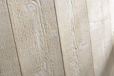 Lambris bois, avec une teinte obtenue sans solvants avec une cire à base d'eau.
