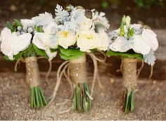 Rustic bouquet. Just add burlap to the stems!